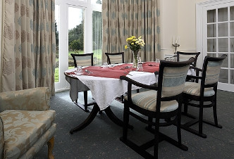 Image of the Broadwindsor dining room